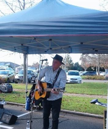 Mike Mckendry, performing at the Halswell Community Market, on the 26th May 2019.